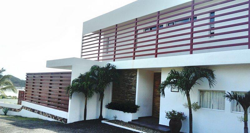 Casa Alegre is beautiful, peaceful and Fun join us, casa vacanza a Playa Marsella