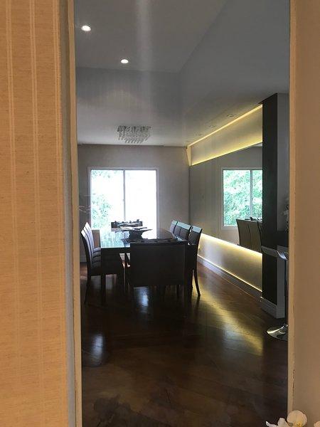 Apartamento São Paulo,zona sul ,campo belo,próximo à wtc,feiras e eventos., vacation rental in Sao Paulo