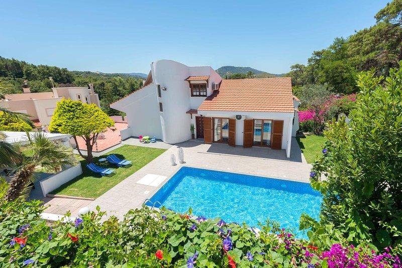 Una Villa, holiday rental in Ialyssos