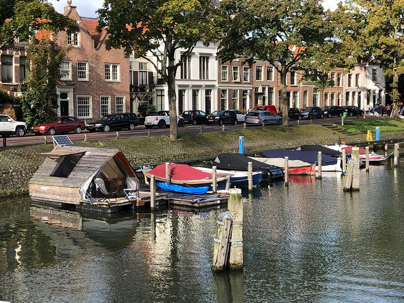 Sleep and enjoy in the port of Weesp.