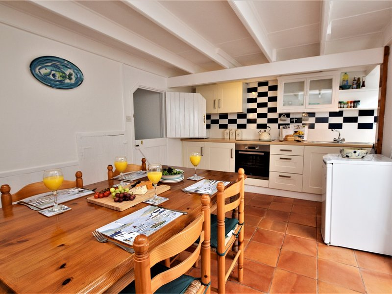 Enjoy a social lunch in this spacious kitchen/diner