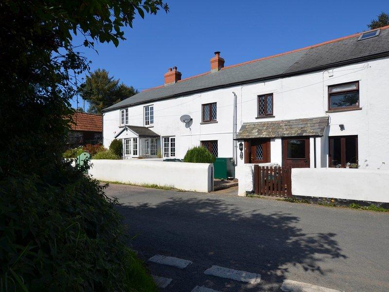 Delightful mid-terrace cottage
