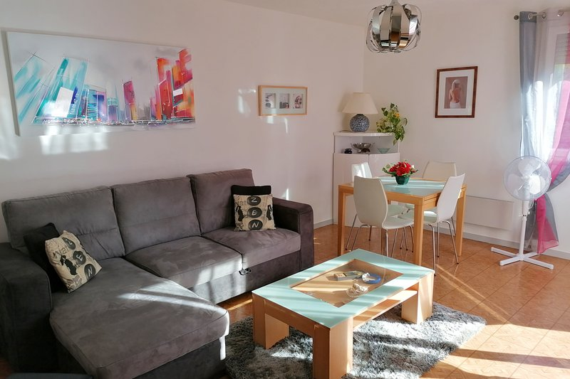 ❤️Spacious flat, terrace, beautiful view⛰ Tram C.Direct access Grenoble #A4, vacation rental in Saint-Martin-le-Vinoux