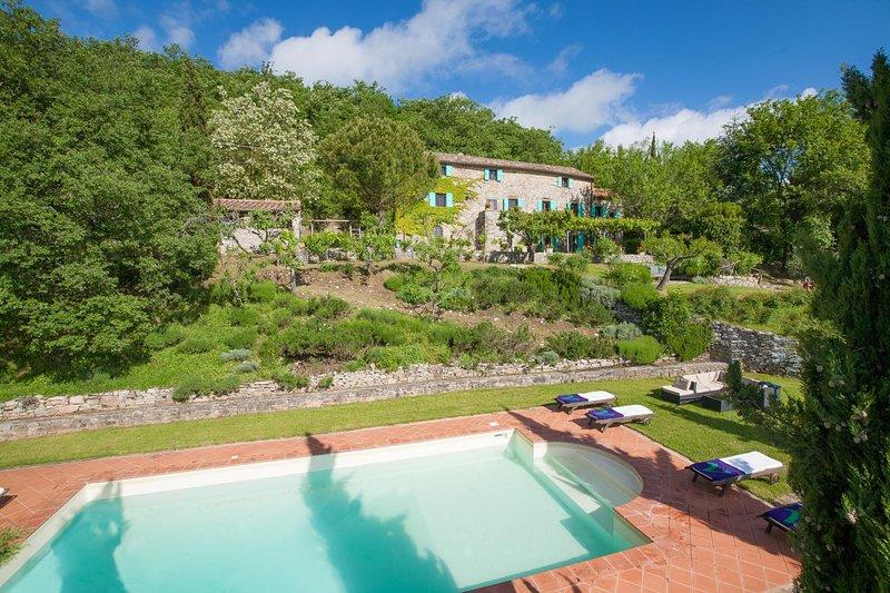 Mengaccini Villa Sleeps 14 with Pool and WiFi - 5604633, location de vacances à San Leo Bastia