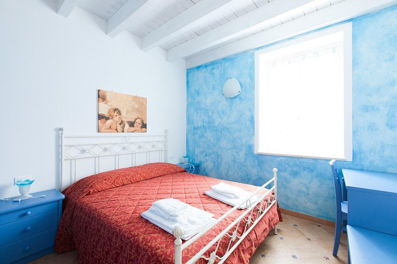 JUNIOR, holiday rental in San Felice del Benaco