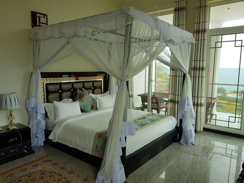 Royal Cliff Zanzibar (Suite Bedroom), holiday rental in Zanzibar City