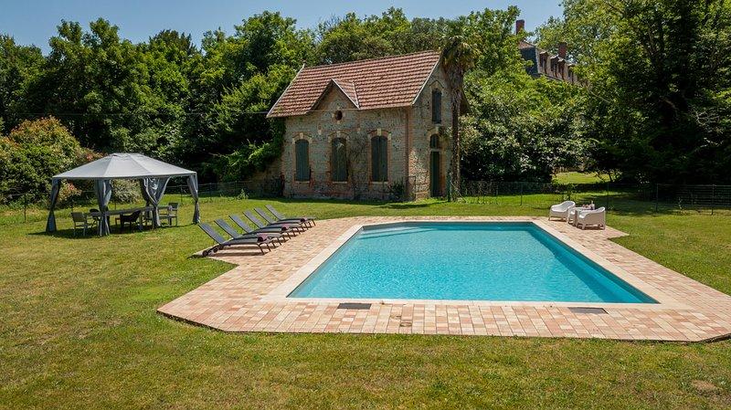 Saint-Julien-sur-Garonne Chateau Sleeps 14 with Pool - 5481429, alquiler vacacional en Saint-Sulpice-sur-Leze