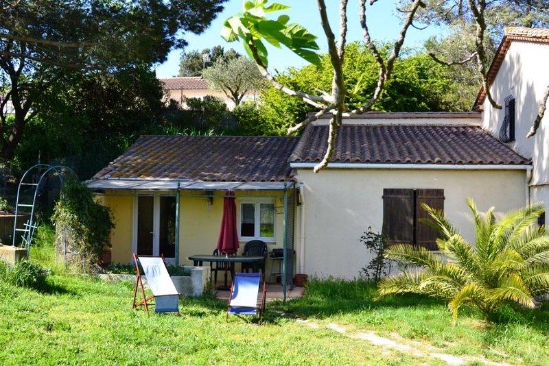 Amazing house with garden & terrace, Ferienwohnung in Trebes