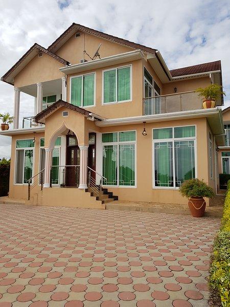 Royal Cliff Zanzibar (Villa), casa vacanza a Zanzibar City