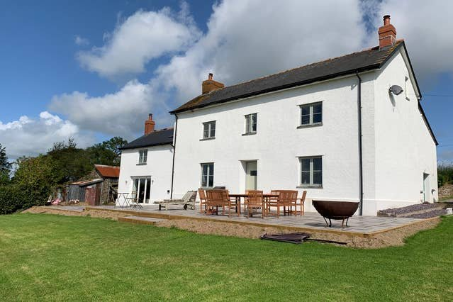 Higher Crowdhole Stunning 5 Bedroom Cottage, vacation rental in Knowstone