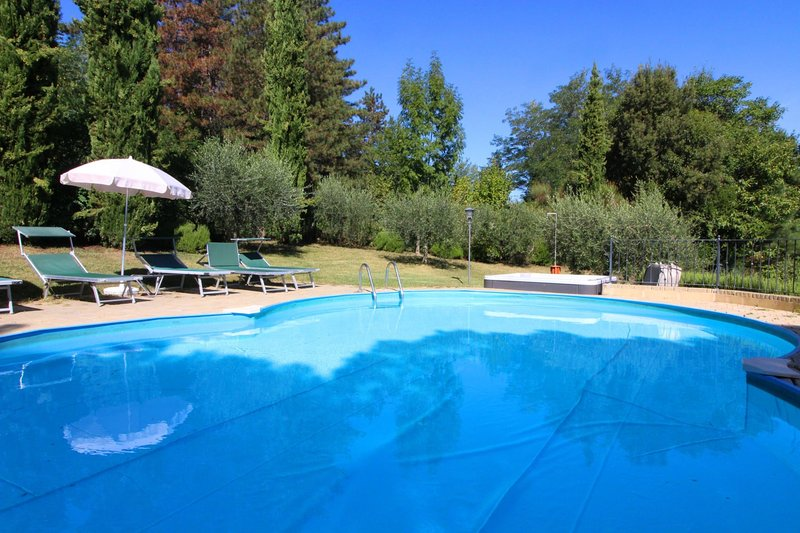 Chiani Villa Sleeps 13 with Pool - 5490396, vacation rental in Pieve A Maiano