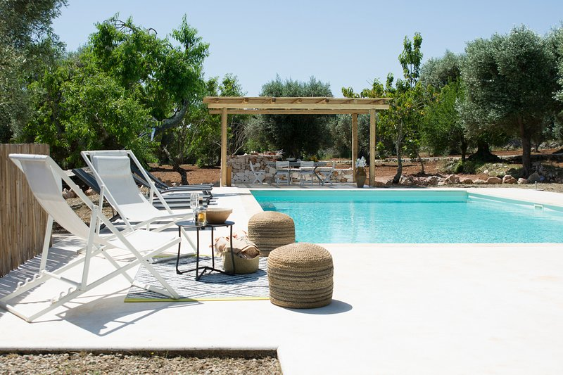 Ceglie Messapica Villa Sleeps 6 with Pool and Air Con - 5814016, location de vacances à Villa Castelli