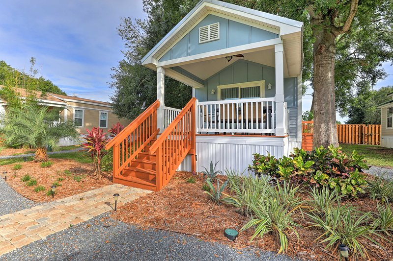 This Winter Haven home offers accommodations for up to 4 guests.