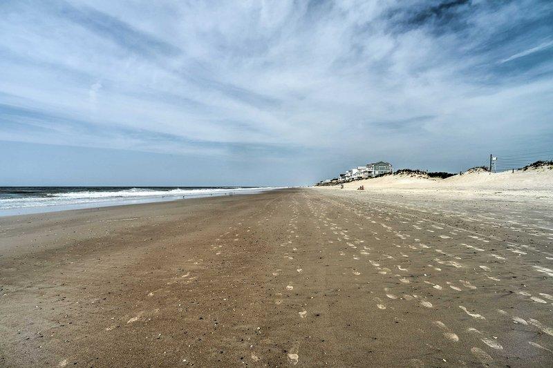 Préparez-vous à plonger vos orteils dans le sable!
