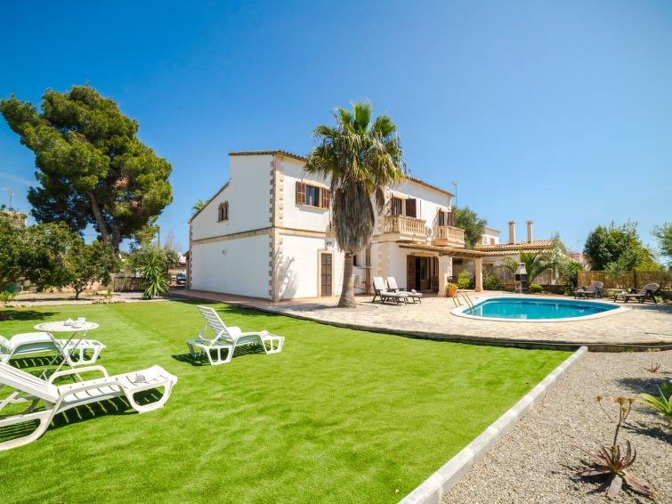 5 bedroom Villa with Air Con, WiFi and Walk to Beach & Shops - 5699179 Chalet in Porto Cristo