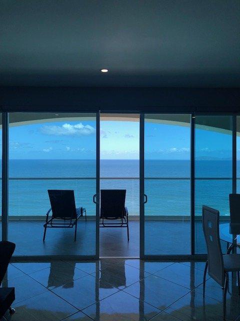 Modern Condo in Rosarito Las Olas Mar Y Sol II, vacation rental in Tecate