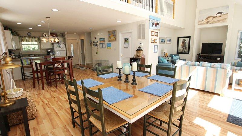 Furniture,Chair,Hardwood,Indoors,Flooring