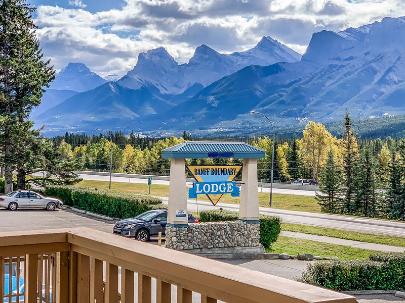 Promotional Deal - Mountain View 2 Bedrooms Unit, vacation rental in Banff National Park