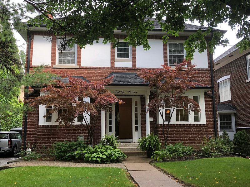 Large Family Home, holiday rental in Toronto