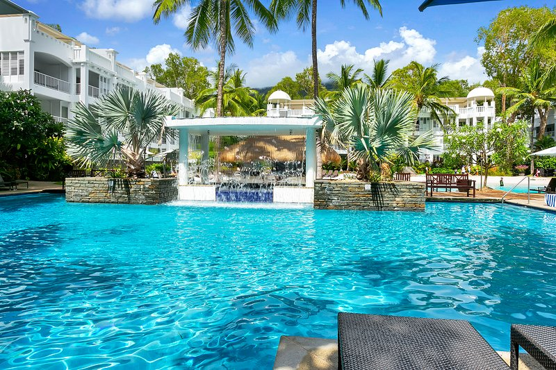 Lagoon Apartment 4111 with direct access to the Lagoon's beach, vacation rental in Palm Cove