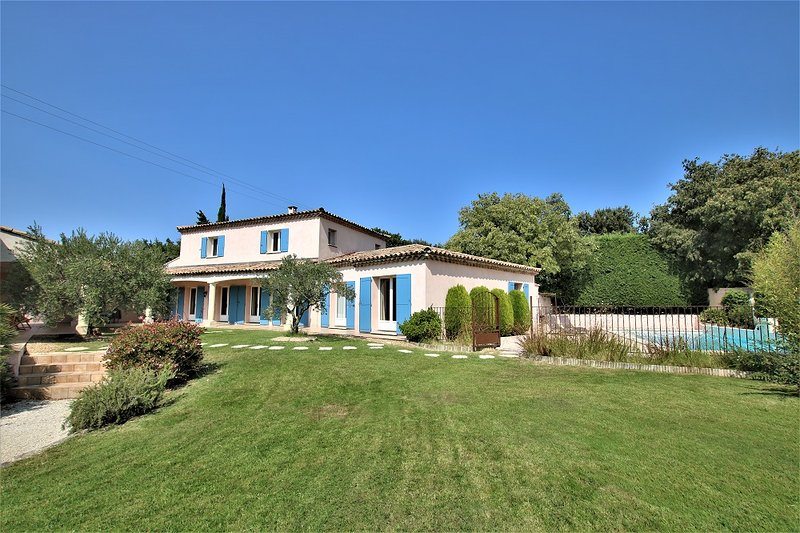 Villa l'Hestia, vacation rental in L'Isle-sur-la-Sorgue