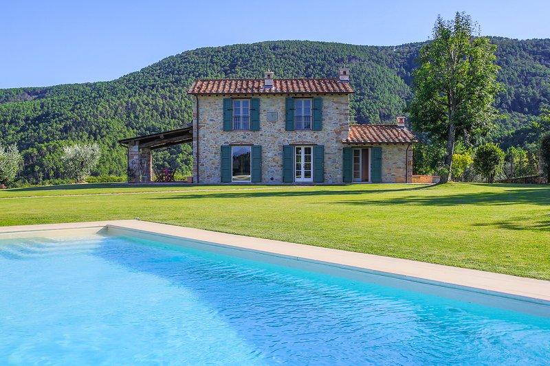 SUNRISE, vacation rental in Colle di Compito
