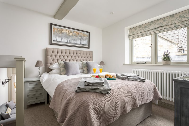 Delightful Dog friendly cottage in Winchcombe near Sudely castle and Cheltenham, vacation rental in Winchcombe