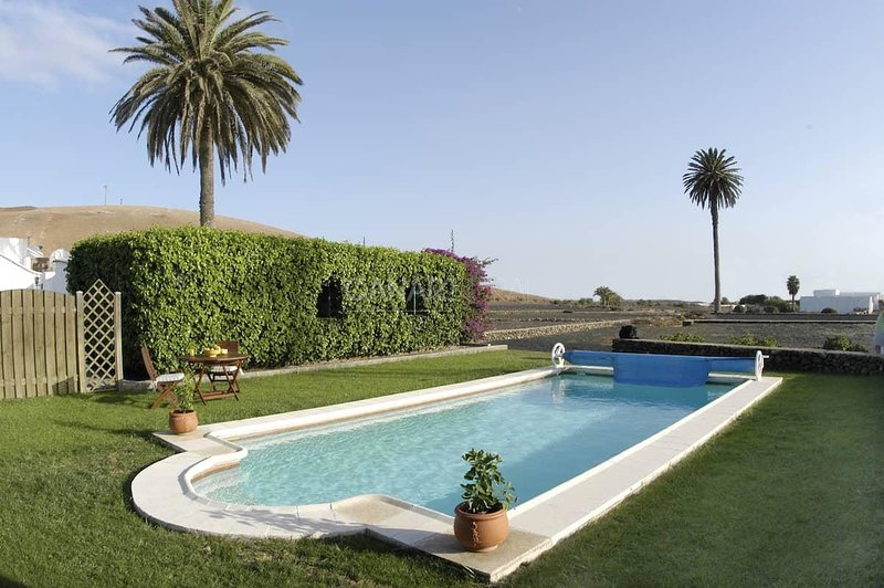 Charming Country house Teguise, Lanzarote, vacation rental in Los Valles