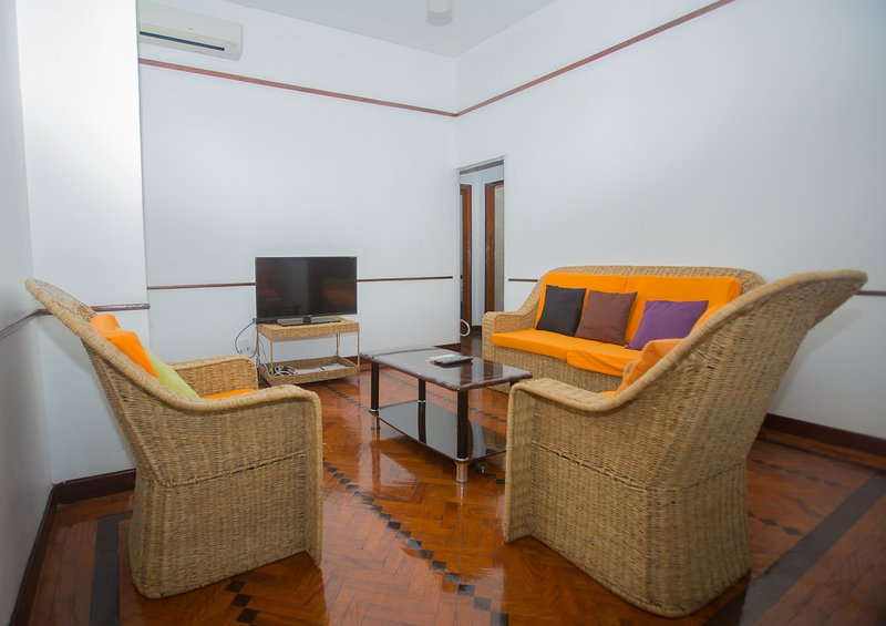 Quiet flat in Agostinho Neto, holiday rental in Maputo