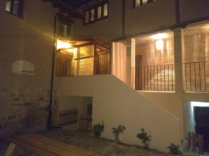 El Corralón - Casa Rural en Siguenza, vacation rental in Mirabueno