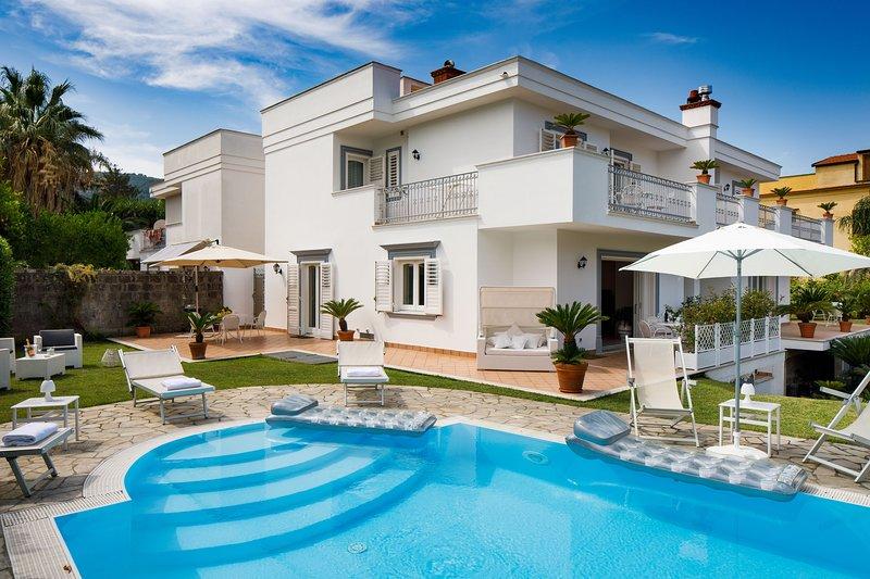 Villa D'Esposito - Sorrento Coast, location de vacances à Sant'Agnello