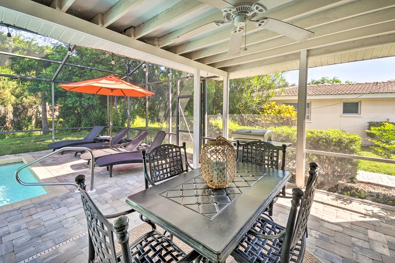 Updated Home w/ Pvt Pool < 10 Mins to Siesta Key, vacation rental in Gulf Gate Branch