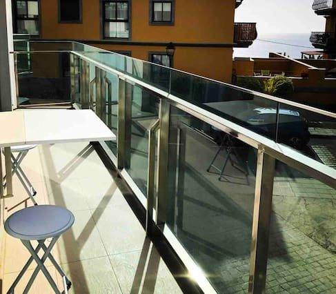 Beautiful studio with balcony, aluguéis de temporada em Tazacorte