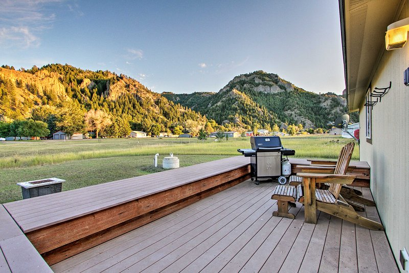 Spend your days on the deck watching for deer, bighorn sheep, and more!