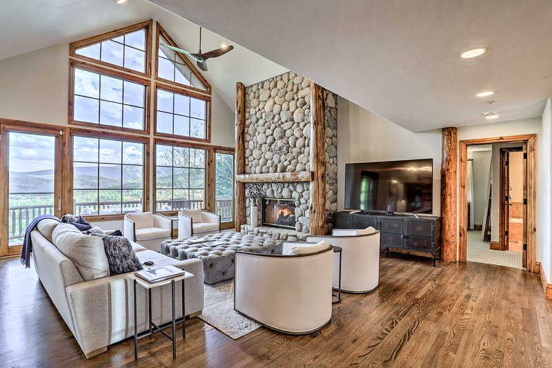 Mtn Home w/ Hot Tub - by Beaver Creek & Vail!, holiday rental in Eagle