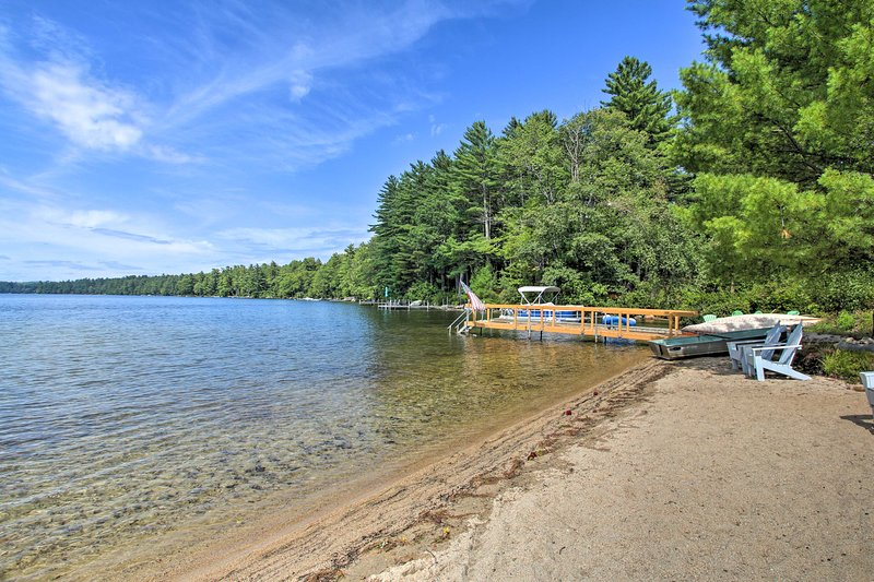 Panther Pond Cabin w/200 Ft Sand Beach & Dock, vacation rental in Raymond