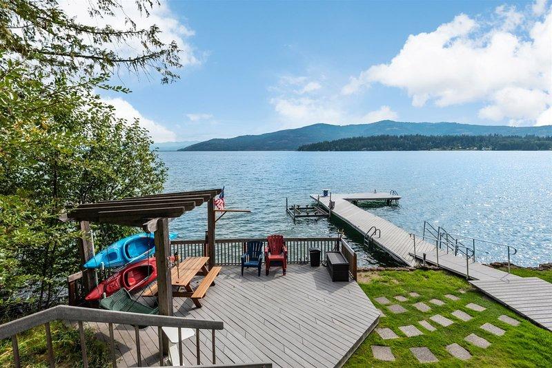 Cozy Cabin, Waterfront Destination.  Perfect for families & friends, location de vacances à Laclede