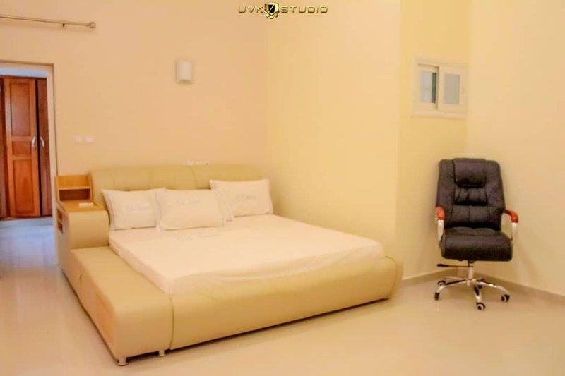 Appartement de 2 chambres très somptueux sur calavi, holiday rental in Ouidah