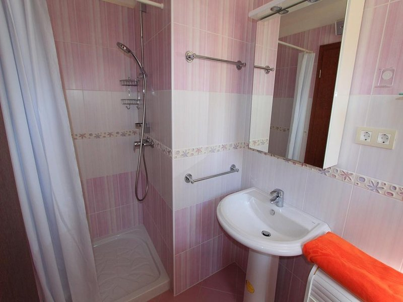 A4 (2 + 1): baño con inodoro
