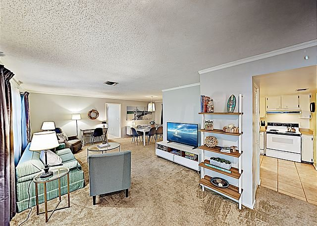 Tranquil Hideaway with 2 Living Areas | Near Gorgeous Siesta Key Beaches, holiday rental in Sarasota