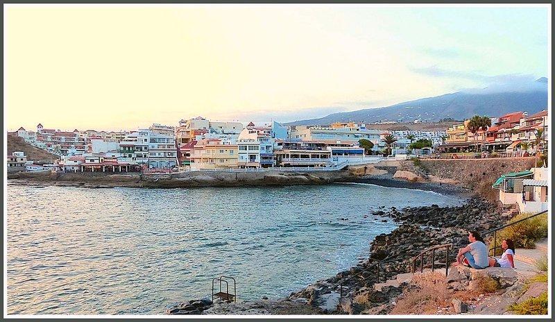 Bonito apartamento y muy luminoso en la Caleta (Tenerife) a pocos metros del mar, holiday rental in La Caleta