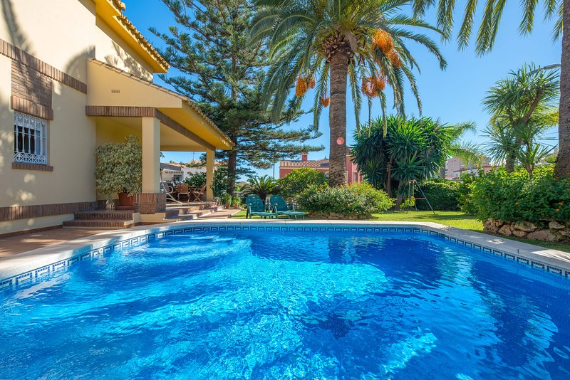 Villa - 5 Bedrooms with WiFi - 107872, holiday rental in Torremolinos