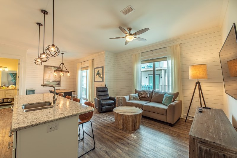 Cottage G at the Helm, vacation rental in Gasque