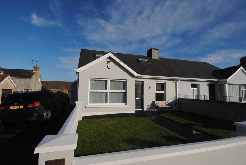 Grey House - Causeway Coast Rentals, holiday rental in County Londonderry