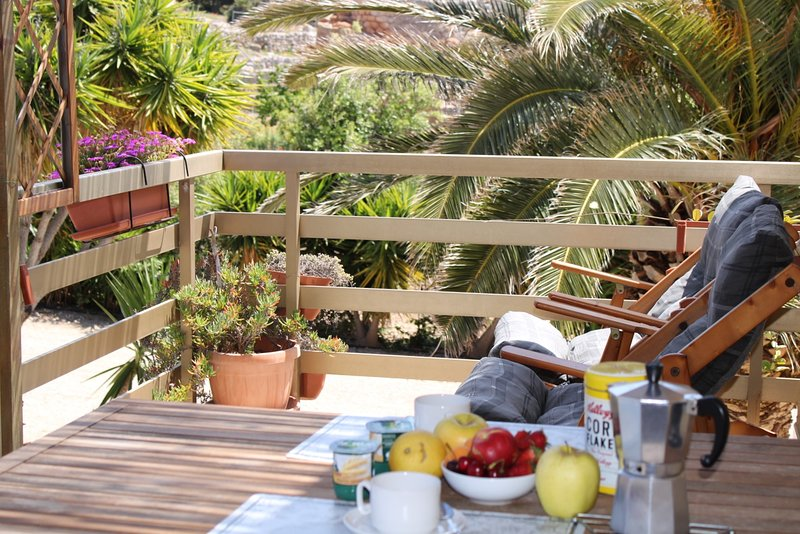 bluAlghero accommodation: cottage with panoramic terrace, holiday rental in Porto Conte