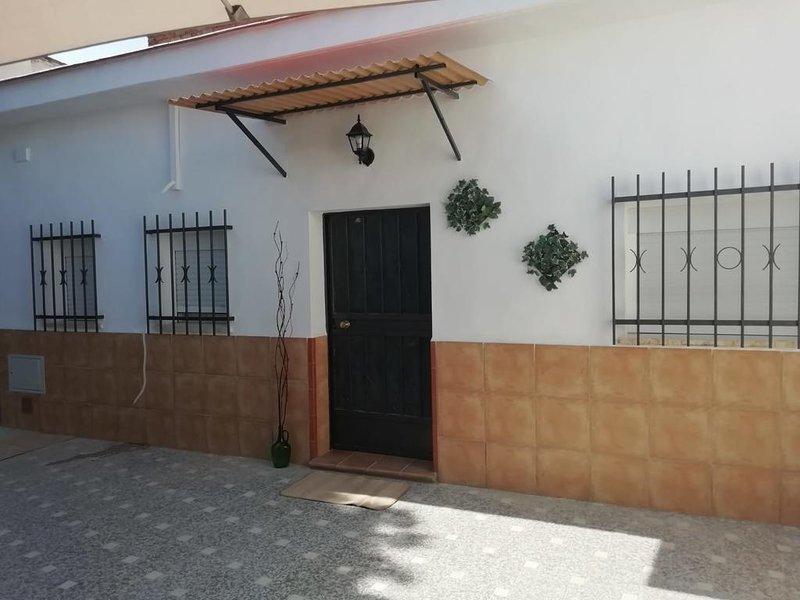 Nice house in Sevilla & Wifi, alquiler de vacaciones en Sanlúcar la Mayor