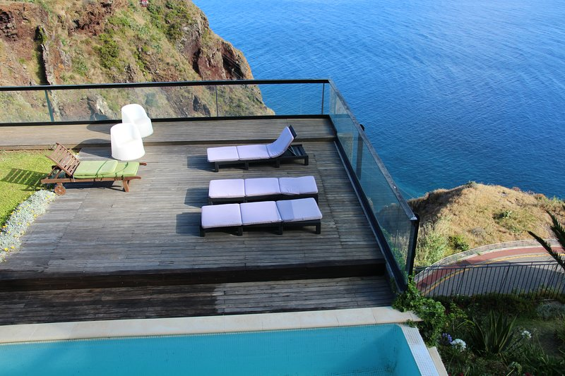 Amazing house with swimming-pool, holiday rental in Canico
