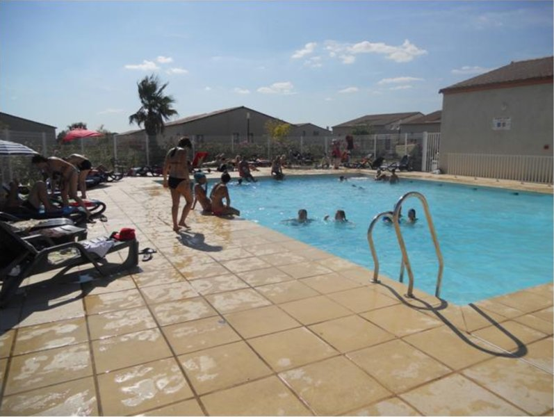 Beautiful house with shared pool, holiday rental in Saturargues