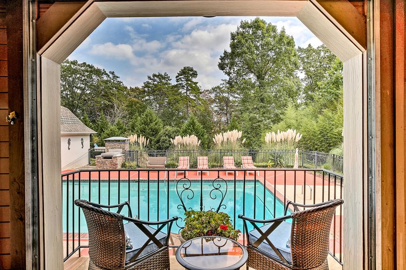 Lake Allatoona Area Studio w/ Pool and Views!, holiday rental in Cartersville