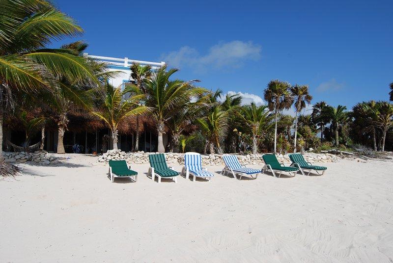 Spectacular beachfront Villa Tres Delfines, alquiler de vacaciones en Bahía de Soliman